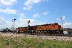 BNSF 7972 leads EB manifest on UP Houston Sub
