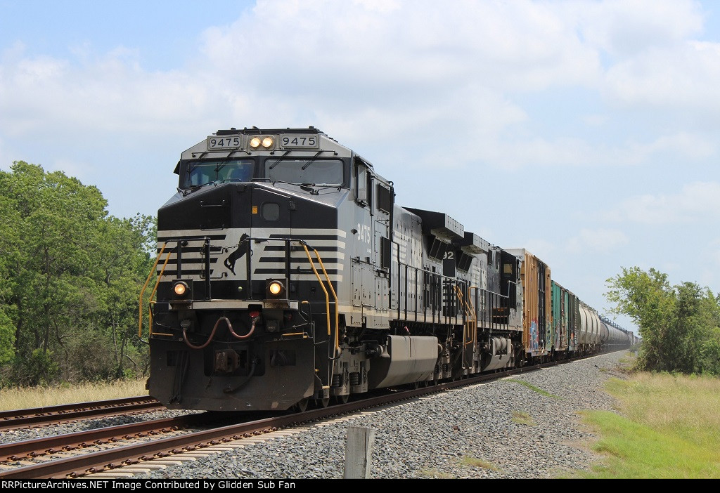 NS 9475 leads the MNSEW