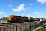 NB BNSF intermodal w/ good lashup