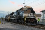 NS SD70ACu #7253 and, NS C40-8W #8341 both into elephant style as K64 local train