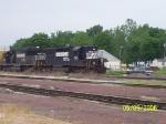 NS 3307, NS 6611, & Railfan