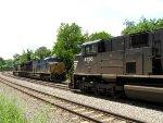 NS 2756 and CSX 3309