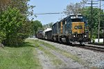 CSX 8881 Drags a monster freight down the ex C&O.