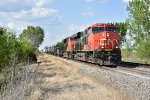 CN 2887 Notches up out of Tolono IL.
