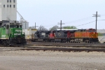 BNSF 2822 switcher and passing train