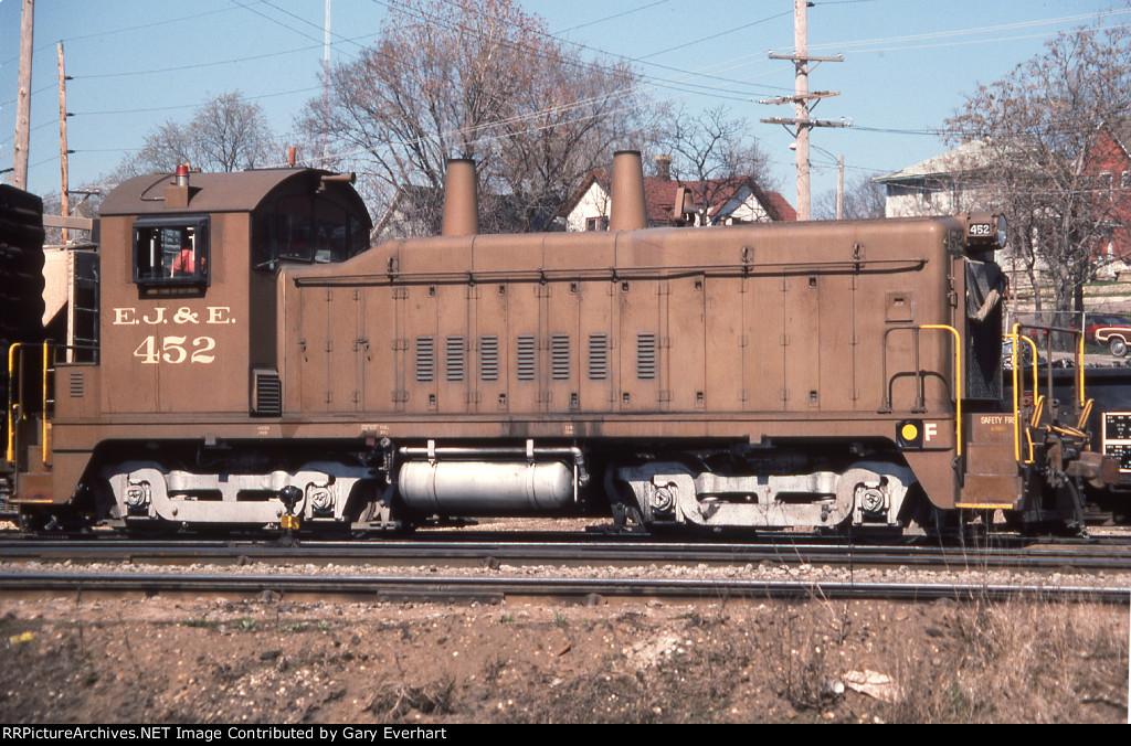 EJE NW2 #452 - Elgin, Joliet & Eastern