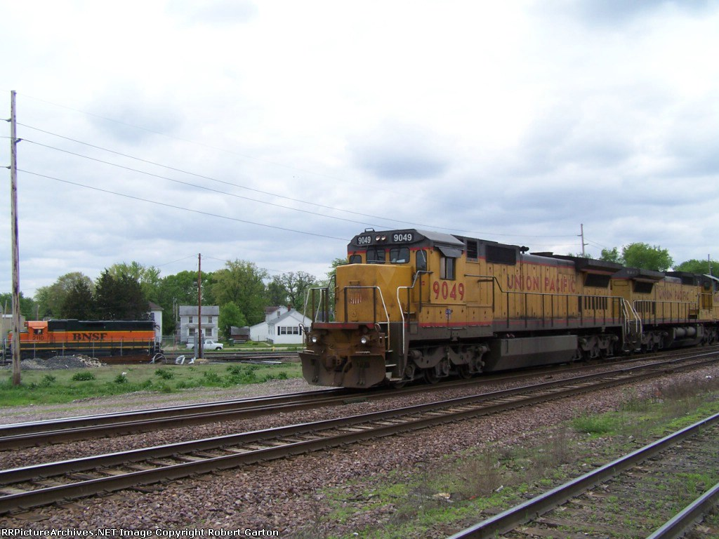 BNSF #2110 tries to hide in the background