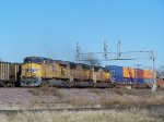 UP 5538 & A Pair of SD70M's Lead a Westbound Doublestack Train