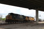CSX 5340 leads the MPBBW at Tower 87