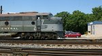 Profile of the front of VLIX 4096 as it creeps west past the Sandy Hook yard office