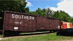 Southern Boxcar and Caboose