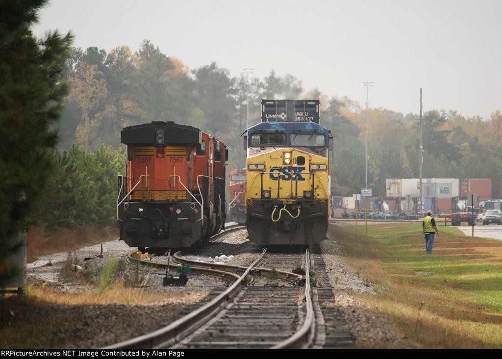 CSX AC44CW 9 and BNSF 7567