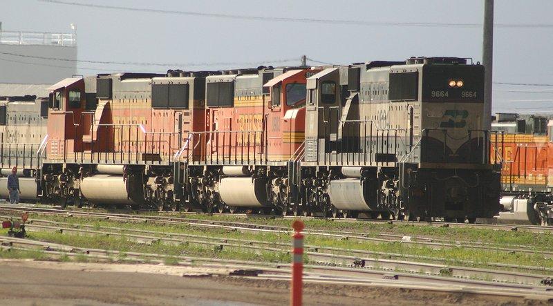 SD70MACs rule the coalfieds on the BNSF