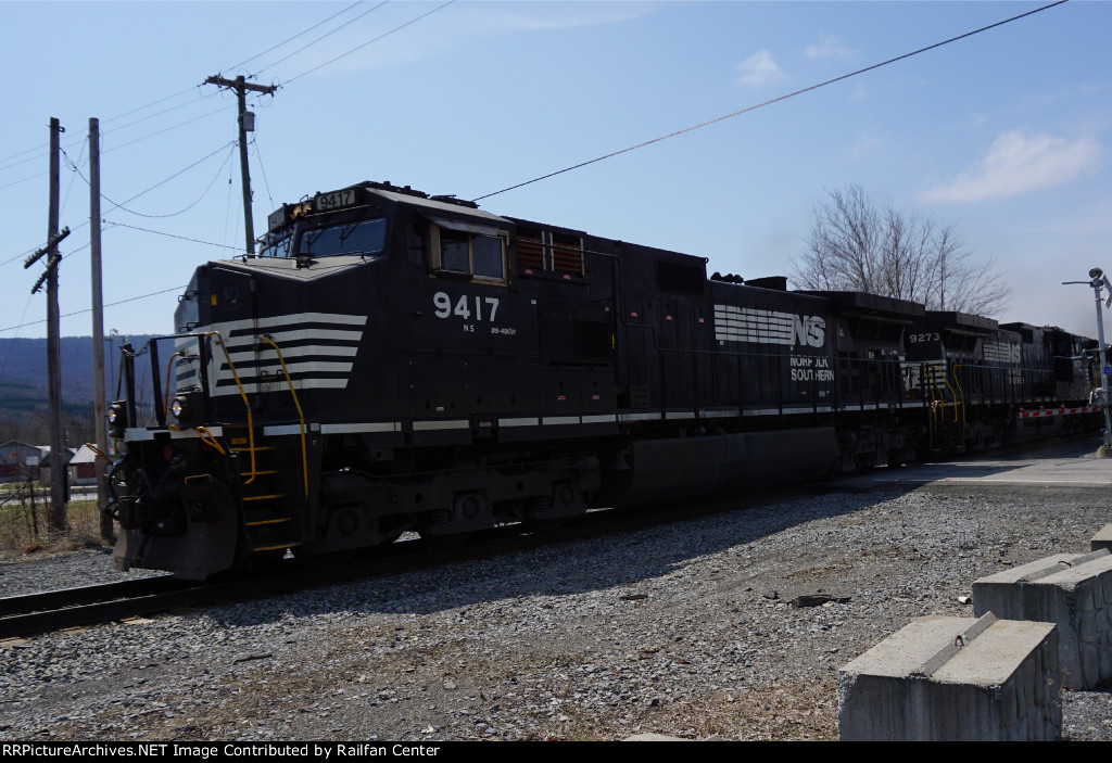 NS 9417 leads an EB freight