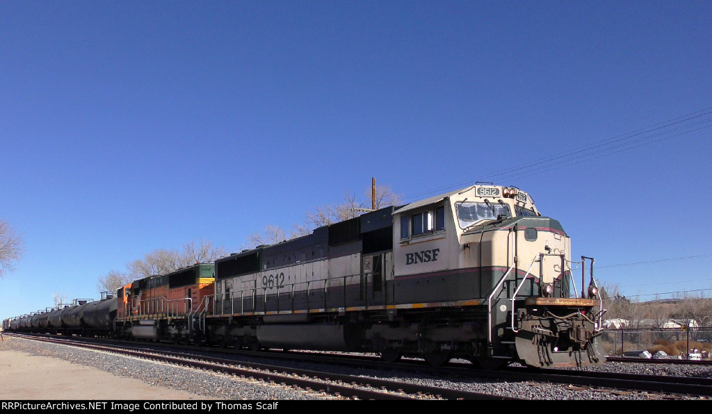 SD70MAC at Bernalillo, NM