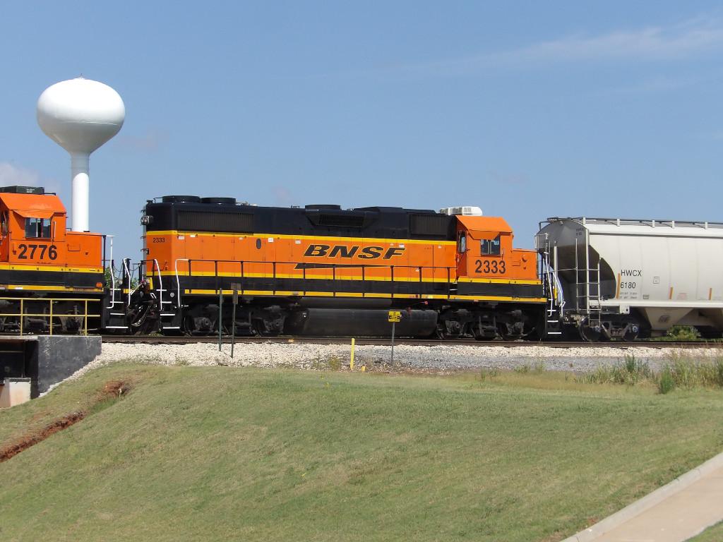BNSF GP38-2 2333