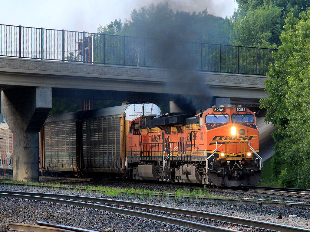 BNSF 5282