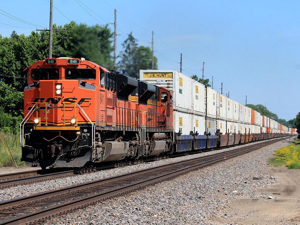 BNSF 8411