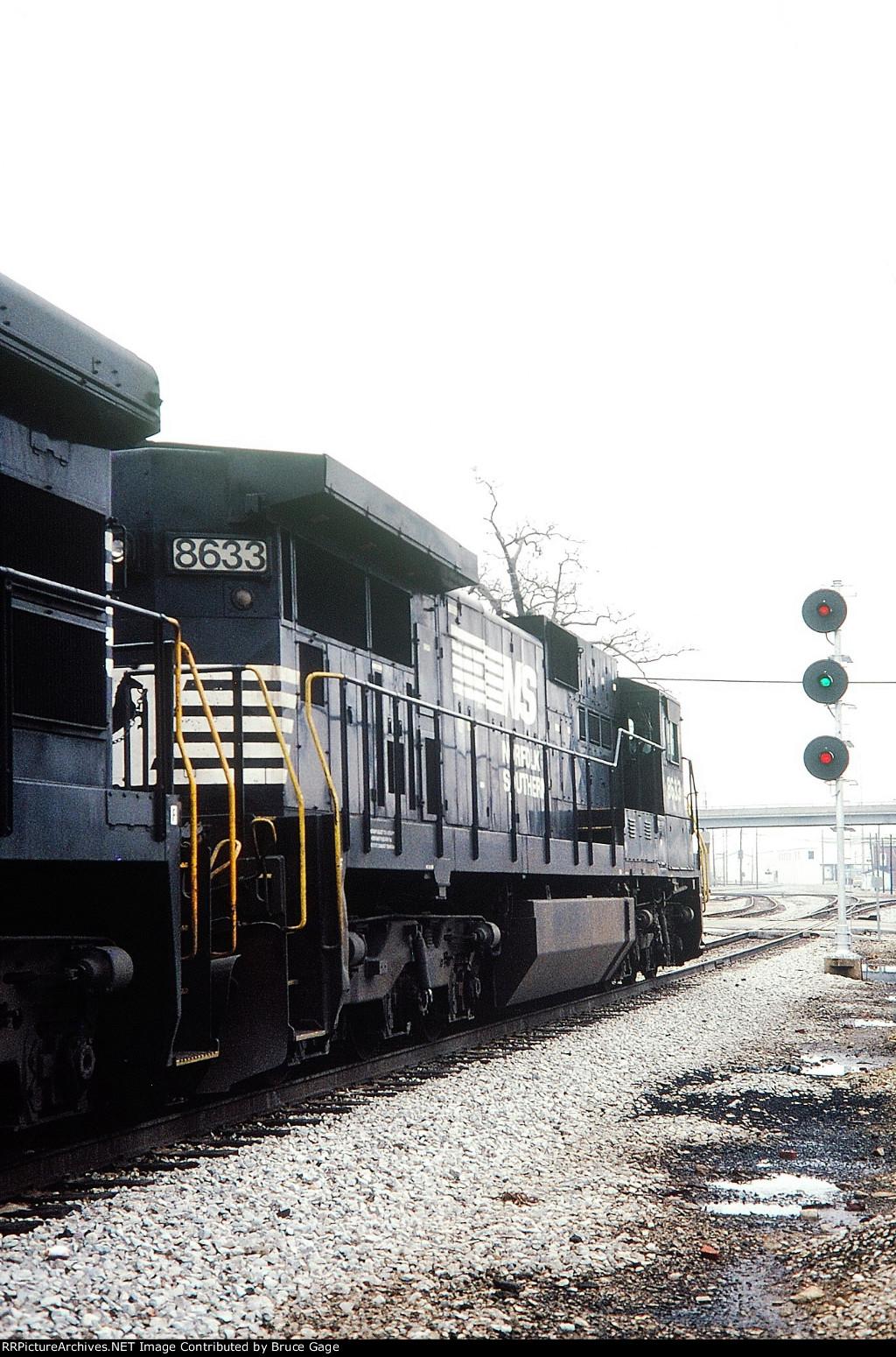 NS 8633