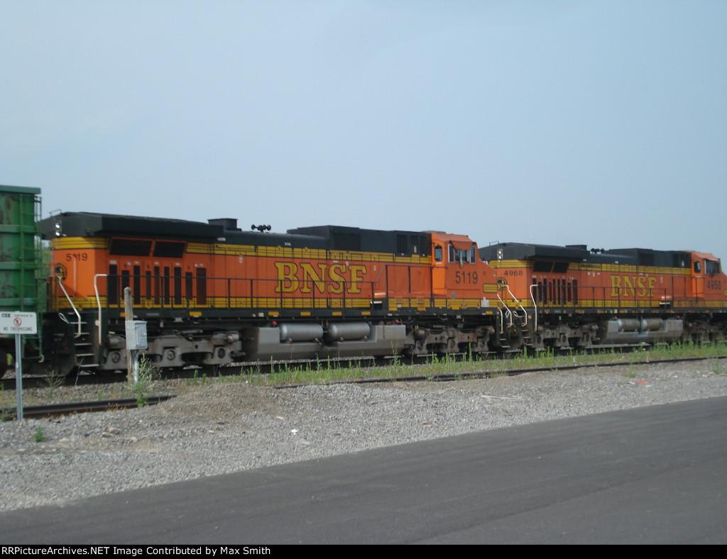 BNSF 5119 on CSX Q380-07