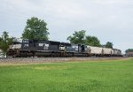 Two SD70s leads a manifest west