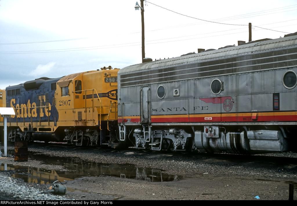 ATSF GP9 2907