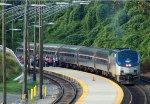 Lynchburg Regional (AMTK tr. 176) board passengers