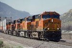 BNSF8156, BNSF5522, BNSF6520, BNSF4498 and BNSF7620 approaching Cajon Station