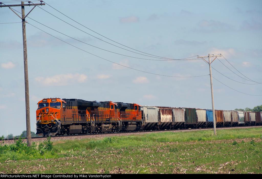 BNSF 3885