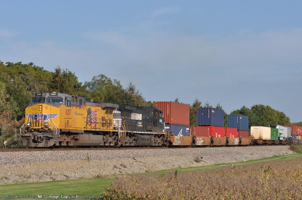 UP 6157 On NS 282 Westbound