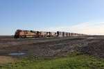 BNSF 9060 heads west leading the S-LPCSCO1