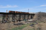 BNSF 6538 roars west across the Media Trestle with Z-NYCLAC9