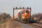 Bringing up the rear of the westbound fleet, BNSF 6920 leads Q-CHISTO6 away from Fort Madison