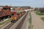 The westbound parade continues as Z-NYCLAC9 strolls through town