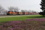 BNSF 8529 & 4735 lead the H-GALLIN3 west on the Ottumwa Sub