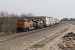 BNSF 6878 & NS 9684 roll west into Williamsfield with Q-NYCLAC6