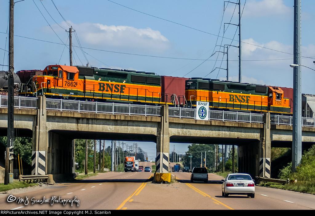 BNSF 7862 & BNSF 7152