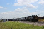 CSX 8576 leads the MAVEW at Tower 87