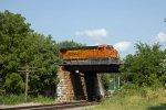 BNSF7257 approaching Peck Park