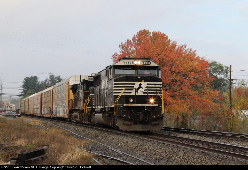 NS 6989 leads train 212