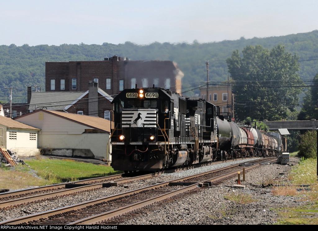 NS 6698 leads train 38G through town