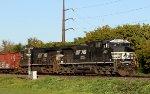 NS 4025 leads train 64E