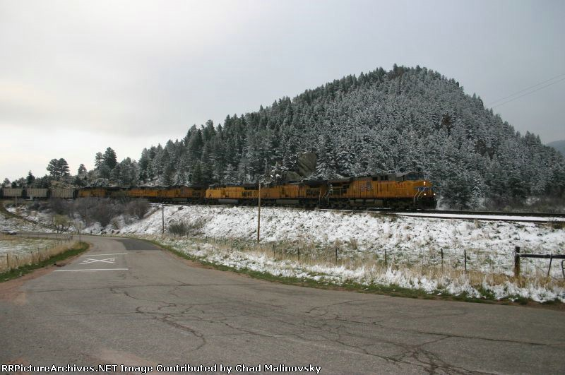 UP 5365 brings empties up the grade