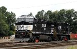 NS 4022 & 4039 sit in Glenwood Yard