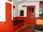LNE 512 interior