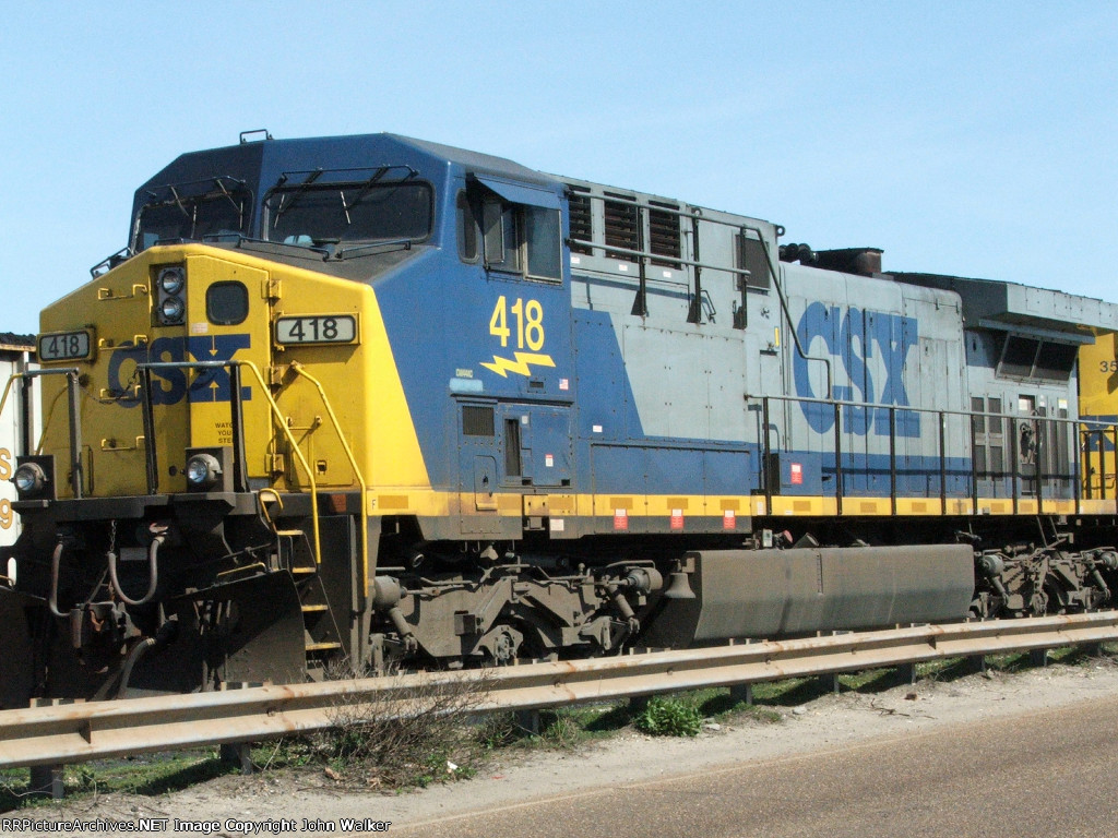 CSX 418 in the yard at the coal terminal at the Port of Mobile