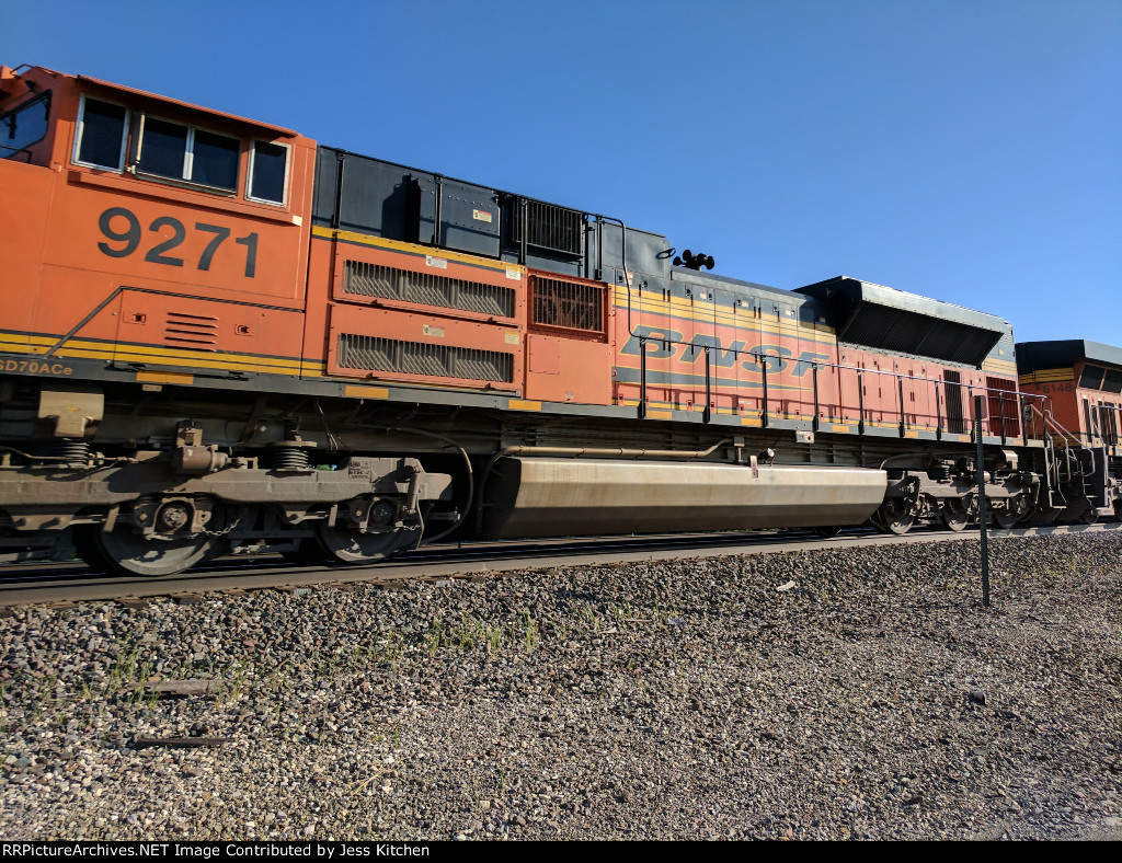 BNSF 9271