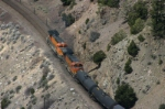 BNSF 4303 and 5114 are giving a helping hand