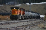 BNSF 5114 shoves around the sharp curve