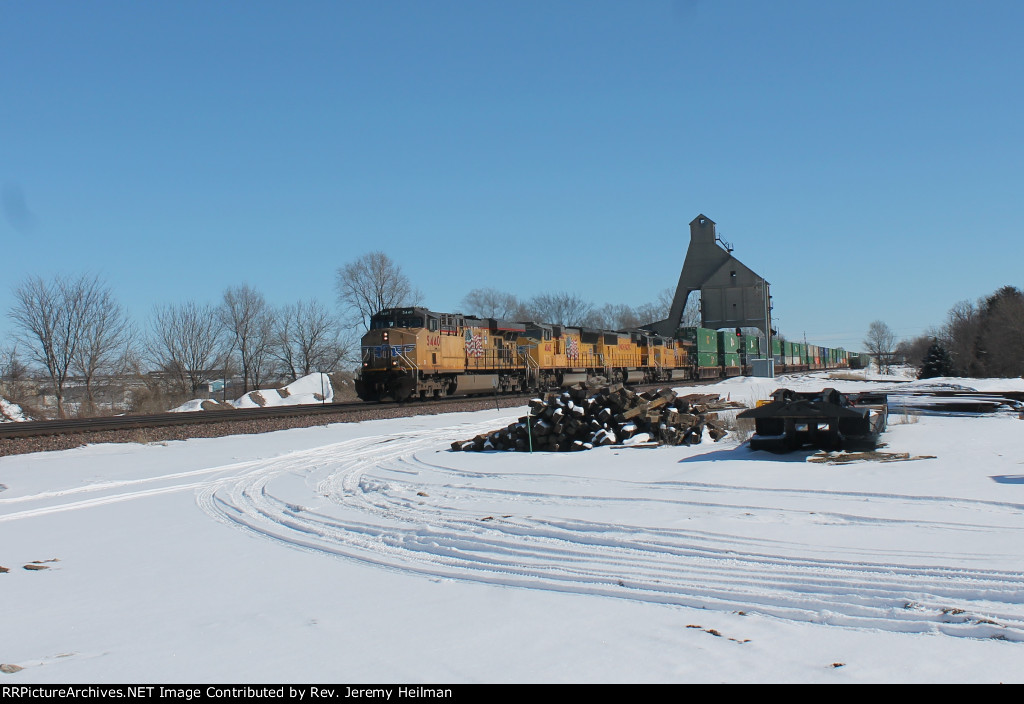 UP 5440 & others (2)